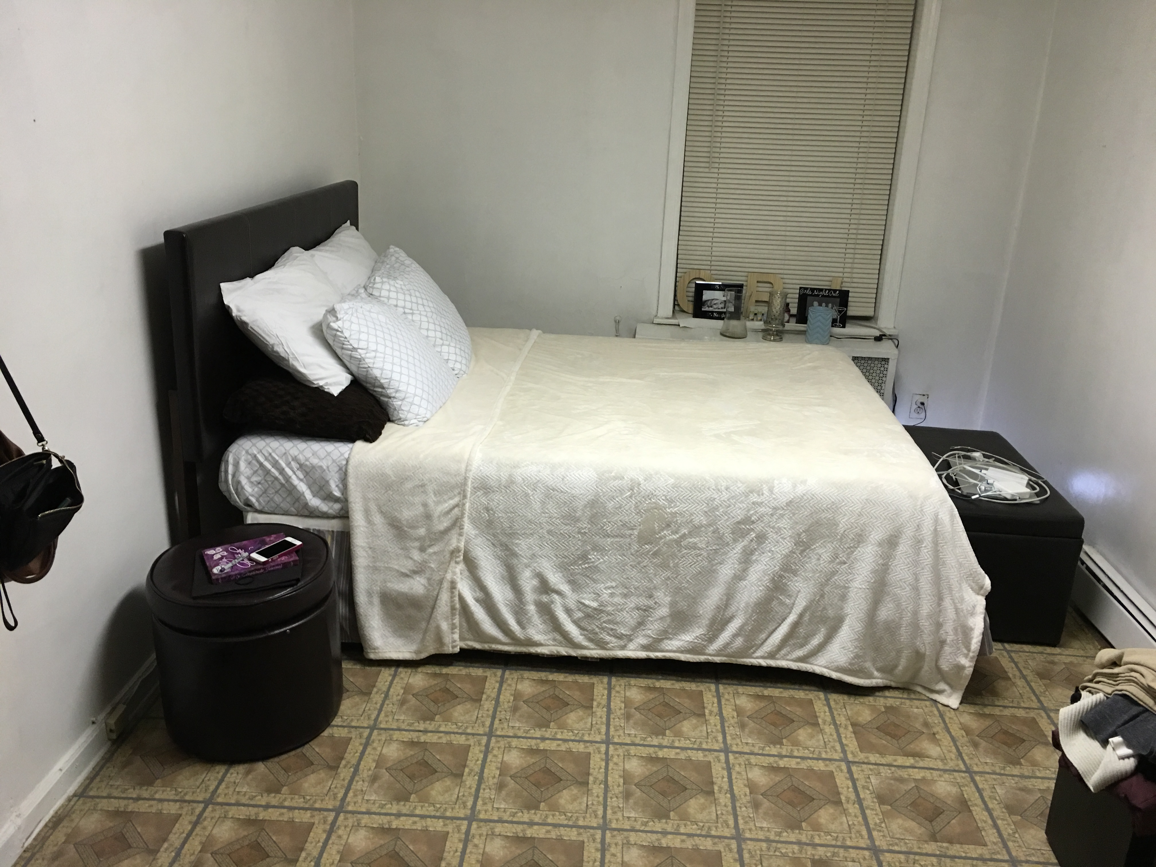 1 Bedroom Available In A 2 Bedroom Woodside Ny 900 All Utilities Included Female Only Musmates Com